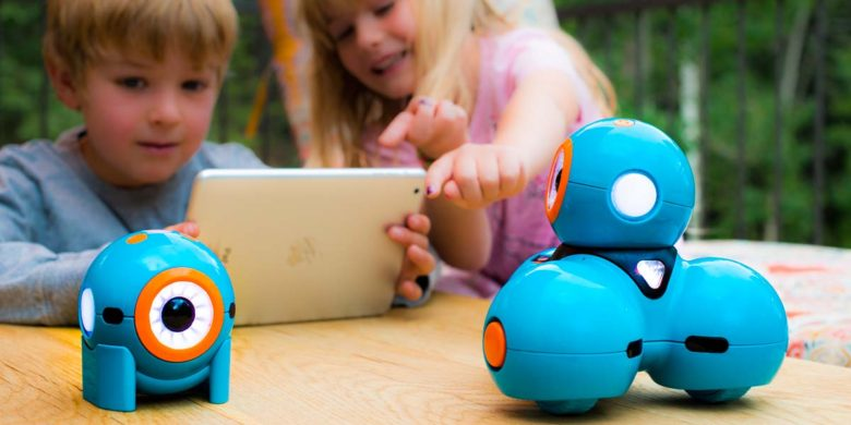 STEM Toys for kids: Dash