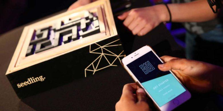 STEM Toys for kids: Seedling Maze VR