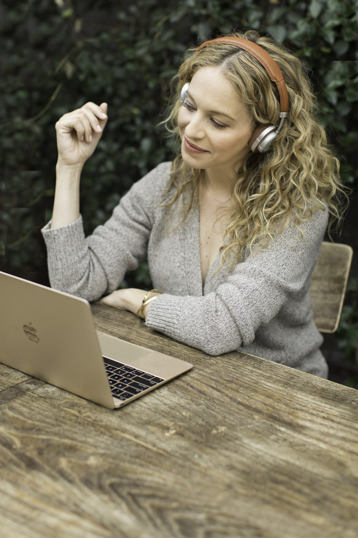 Masters & Dynamic: Wireless Headphones