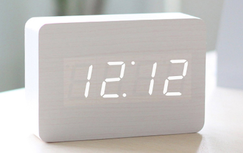 Hito LED wood alarm clock