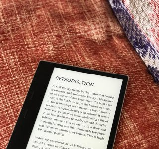 e-reader: Kindle Oasis